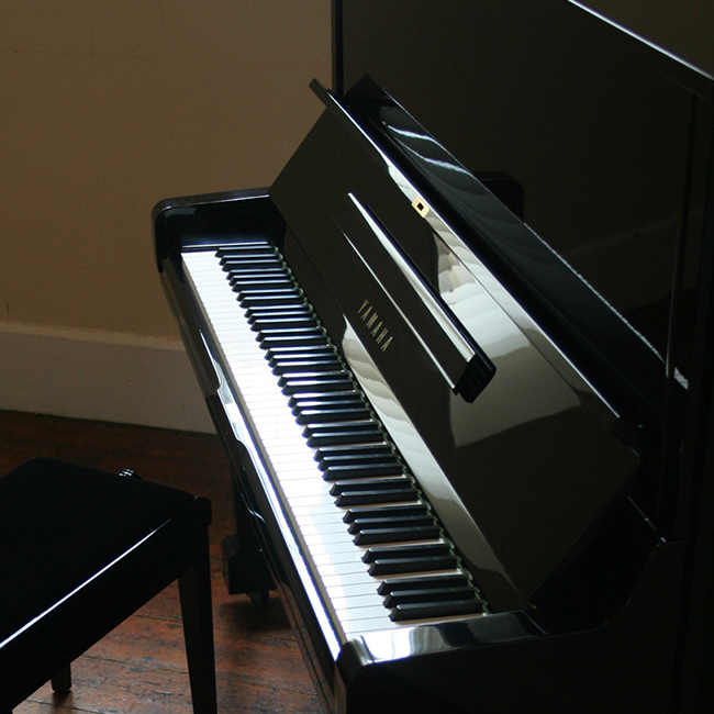 Piano hire for events and venues for Yamaha u1 u3