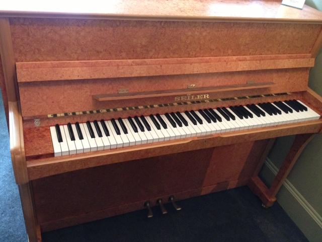 Seiler Mondial Piano