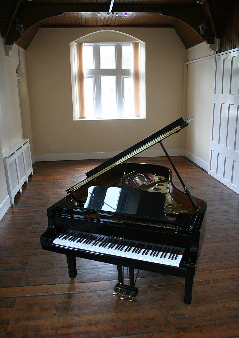 Yamaha c7 grand piano for Yamaha piano com