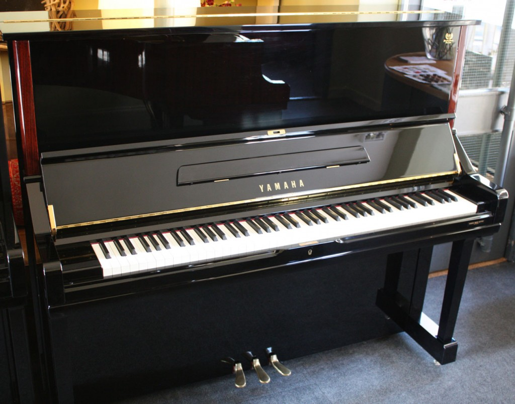 Buying a yamaha piano yamaha u1 and u3 upright pianos for Yamaha pianos nj