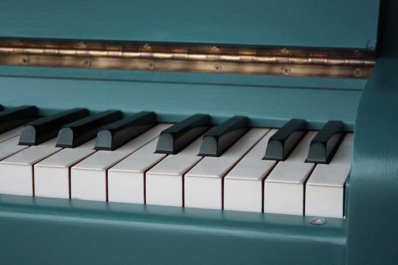 bespoke and painted pianos