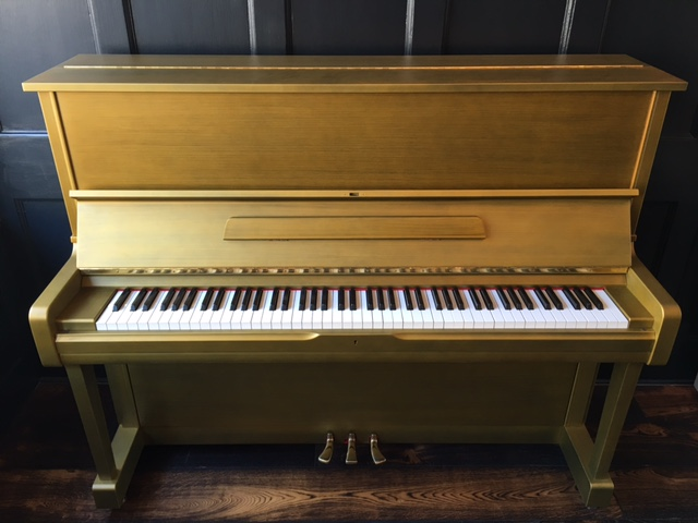 Yamaha Gold Piano