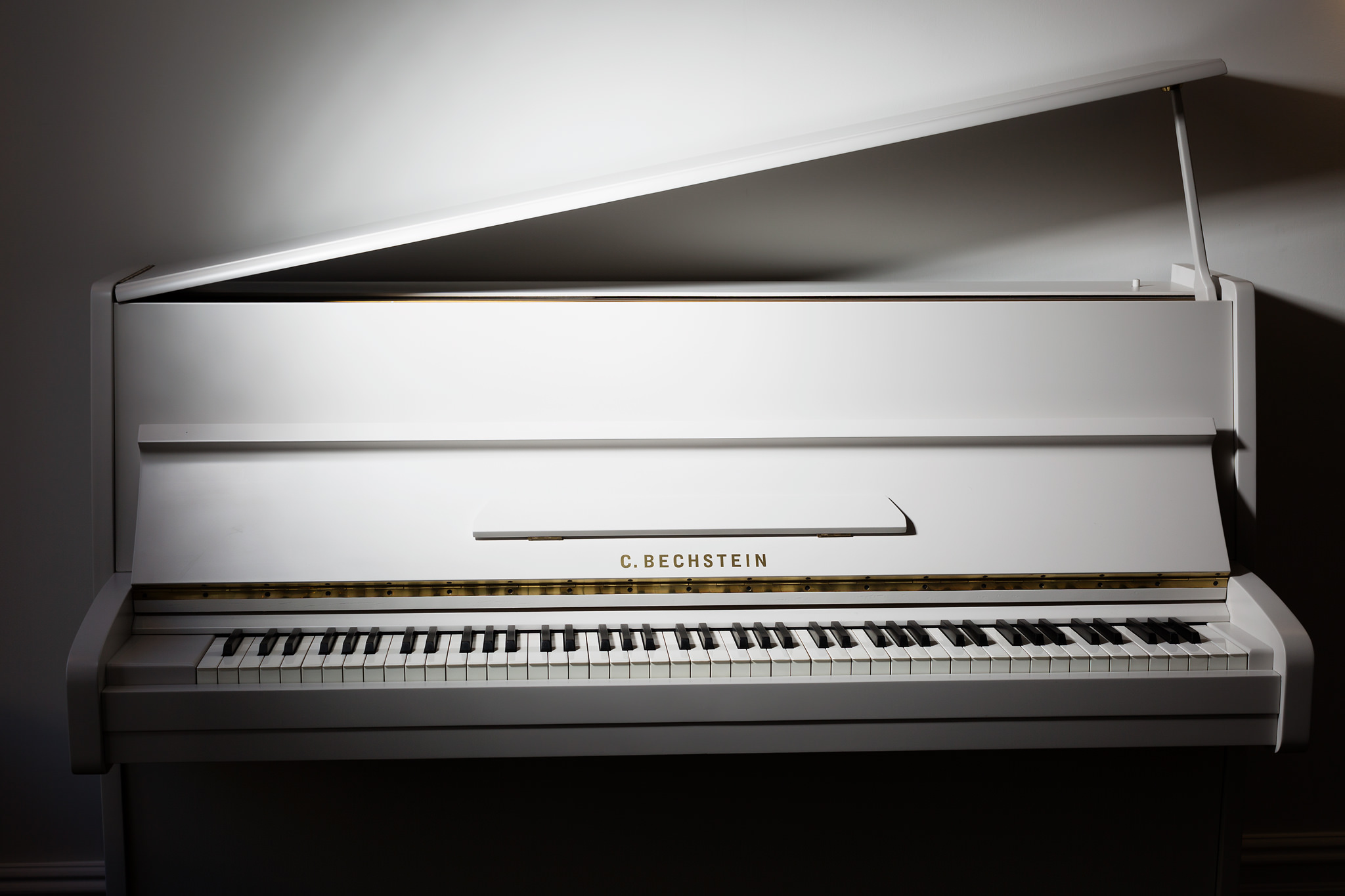 Kawai Upright Piano >> Bespoke and Painted Pianos