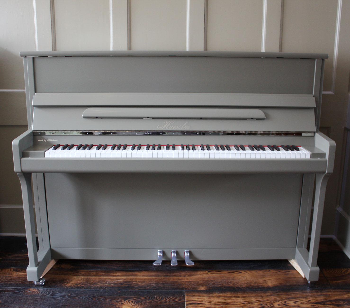 Haessler H-118 Upright Piano