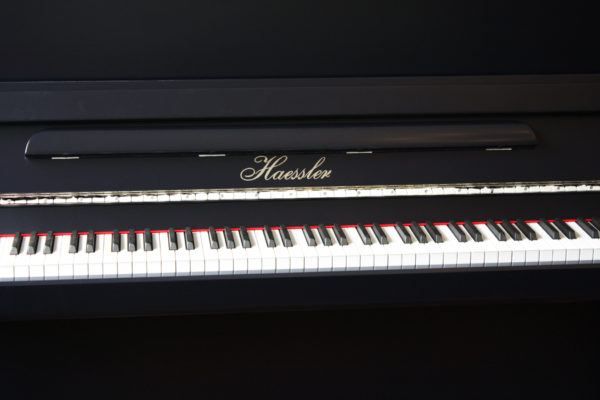 Haessler K-124 Upright Piano