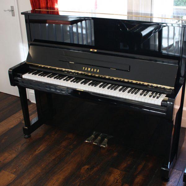 Yamaha U1 Upright Piano 1985