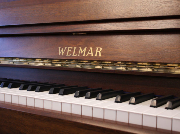 Welmar Regency upright piano