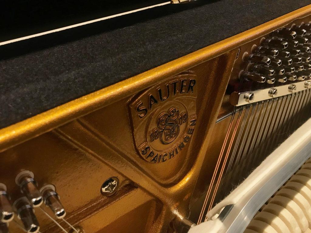 Sauter Carus 112 - Inside