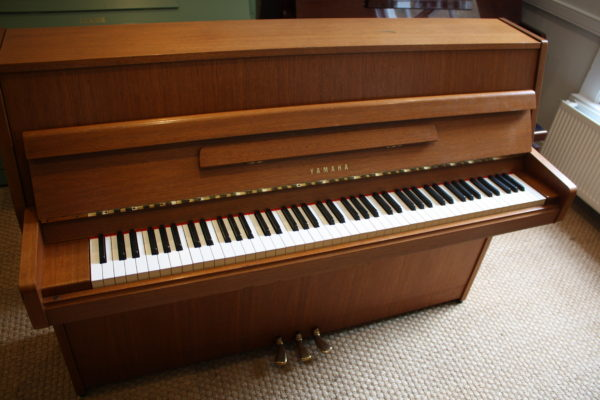 Yamaha M1J Upright Piano